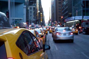 川村雅則「タクシー産業における規制緩和路線の破綻──タクシー運転者の賃金・労働条件をふまえて」