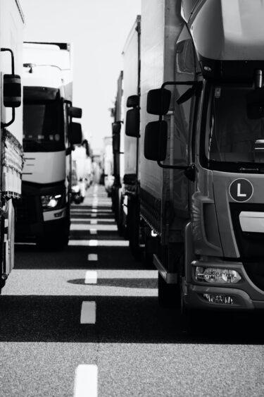 川村雅則「自動車運転労働者の労働条件と労働時間規制の現状」